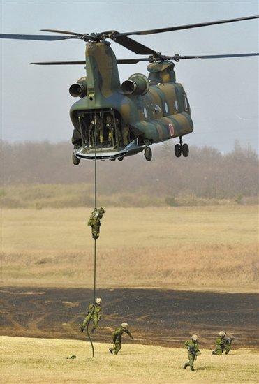 日本1月内3度军演模拟夺岛 安倍再称钓鱼岛不让步