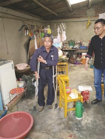 两年的治疗已经让丢铱事件受害者王尚文家徒四壁。