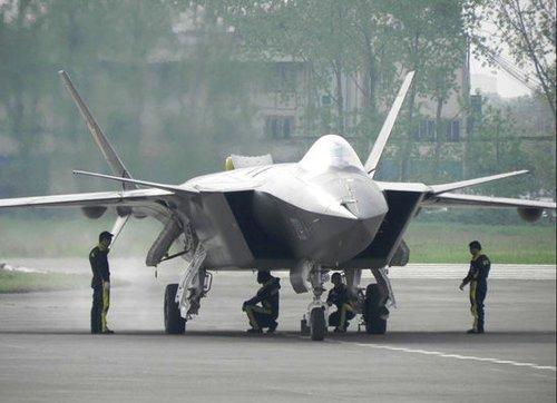 陈炳德回应歼20战机试飞 否认针对美国说法