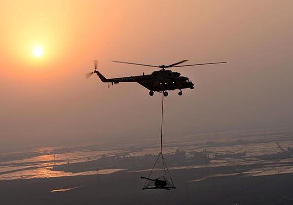 让大炮飞一会 中国炮兵1小时300公里飞翔作战
