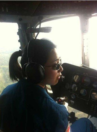 成都军区:空军正在大规模空投食物与饮用水