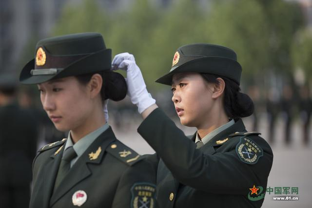 2015年女兵应征开始 裸露部位有纹身瘢痕不合格