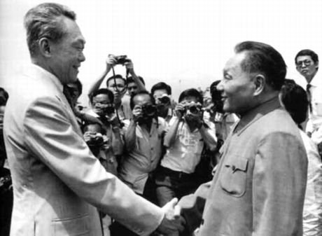 李光耀:邓小平决策对越自卫反击战内情