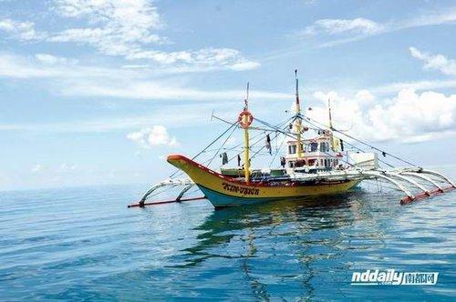 专家称应对菲渔民侵入黄岩岛需要强硬执法