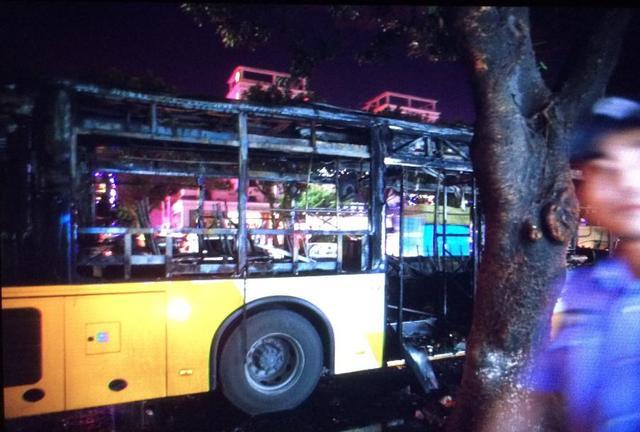 广州一辆公交车爆炸起火 已致2人遇难多人伤
