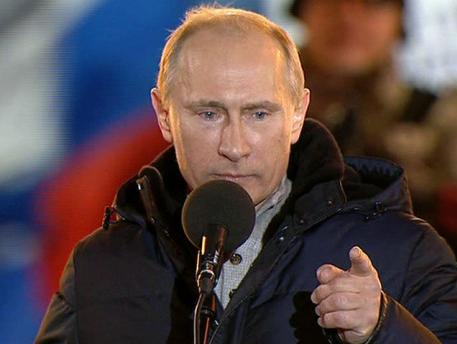 普京含泪宣布大选获胜 承诺更诚实努力工作