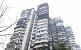 24层高楼没电梯成网红 居民:每天爬上爬下腿软发抖