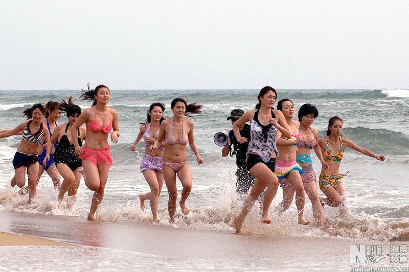 高清组图:女保镖选拔活动在海南三亚举行 新闻