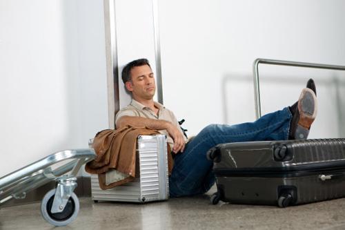 航空公司奇葩规定:票价看体重 空姐需单身