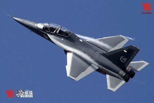 中航防务分公司:未来有可能出品舰载型L-15