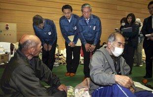 东京电力副社长向福岛灾民当面道歉