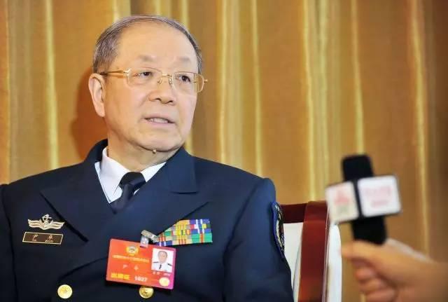 尹卓:美国想在南海围堵我们,我认为他堵不了