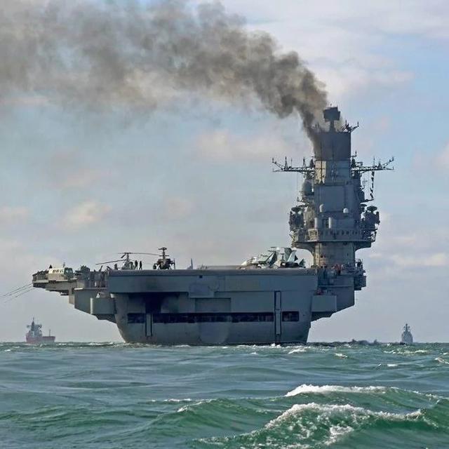 俄罗斯舰载机进驻叙利亚赫梅明机场