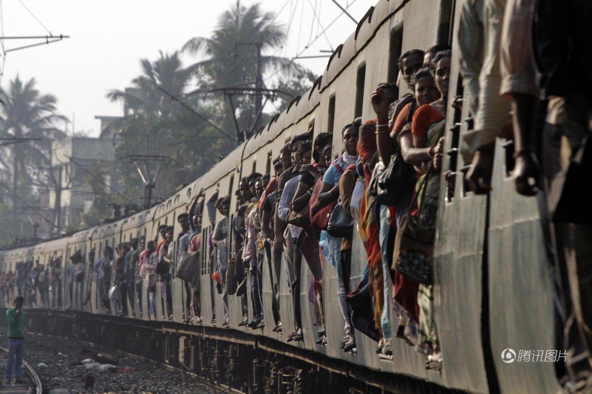 印度豪华高铁号称陆上公务舱 600公里要9小时