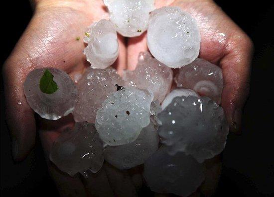 湖南广东等多省遭龙卷风冰雹袭击 14死12失踪