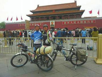 为纪念60岁 大爷骑行6000公里去漠河(图)