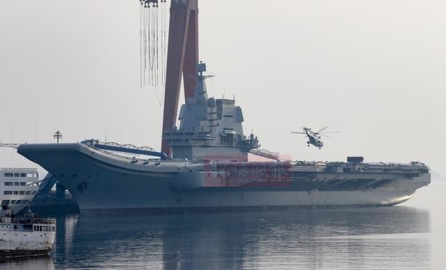 国产航母舰载机今晨完成首次起降!