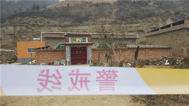 陕西4死5伤杀人案:嫌犯蹲路边称杀人了 未反抗