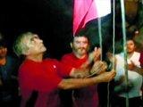 被困矿工在井下升国旗庆祝独立日