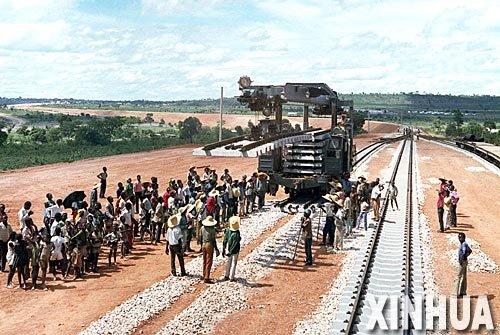 """中国承建东非铁路开工 将成""""非洲大动脉"""""""