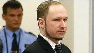 挪威爆炸枪击案杀手在法庭冷静讲述杀人细节(图)