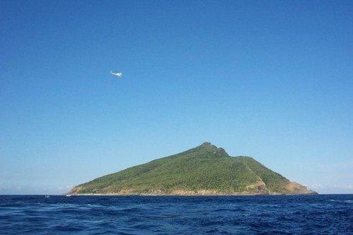 日本120人集结钓鱼岛海域钓鱼 被指有违中日政治默契