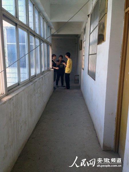 安徽村妇在镇政府讨粮补坠亡 临终前称有人害我