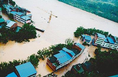 多种灾害天气侵袭我国 川陕豫1229万人遭洪灾