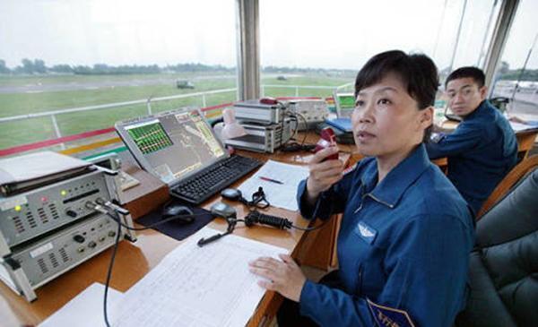 我国首位空军女师长任成都军区空军副参谋长