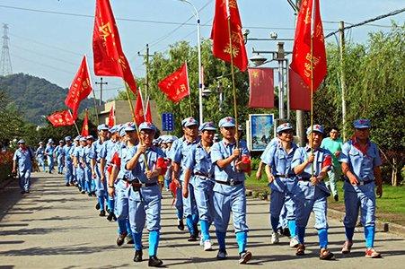 浙江温岭组织重走红军路