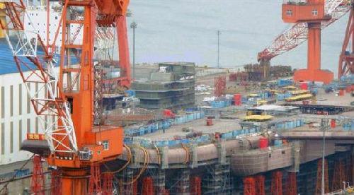 台媒:大陆航母建造神速 舰岛安装最快十月出坞