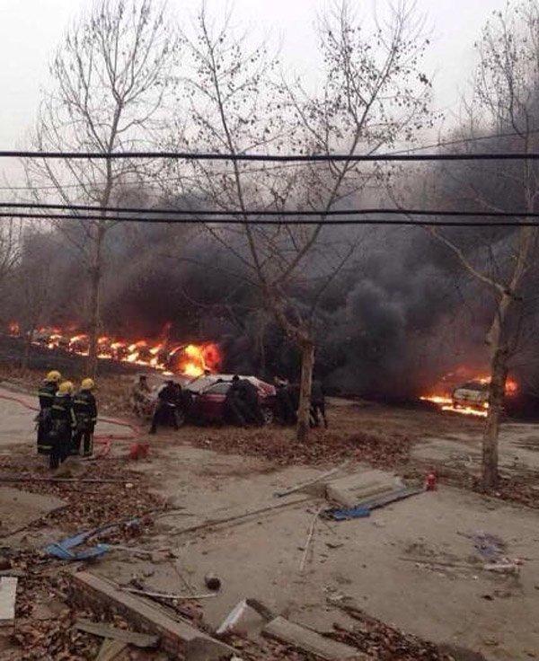 郑州停车场大火起因_郑州一停车场着火 30辆凯迪拉克烧毁
