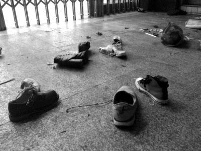 还原昆明火车站12分钟:公交车塞满伤员奔医院