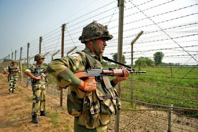 印控克什米尔地区一军事基地遇袭 7名士兵死亡