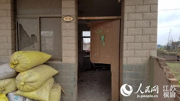 江苏计桥幼儿园龙卷风中 6 名老师拼死堵门护住 120 名儿童