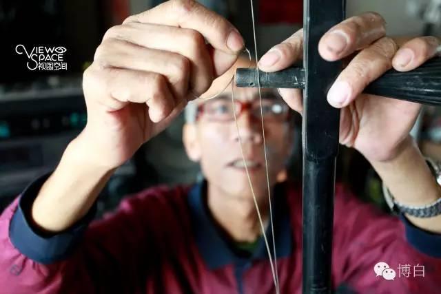 广西大爷用捡来的垃圾 造出1200多件音乐神器