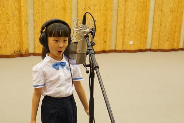 杭州8岁女孩今晚放歌G20峰会演出 张艺谋选定