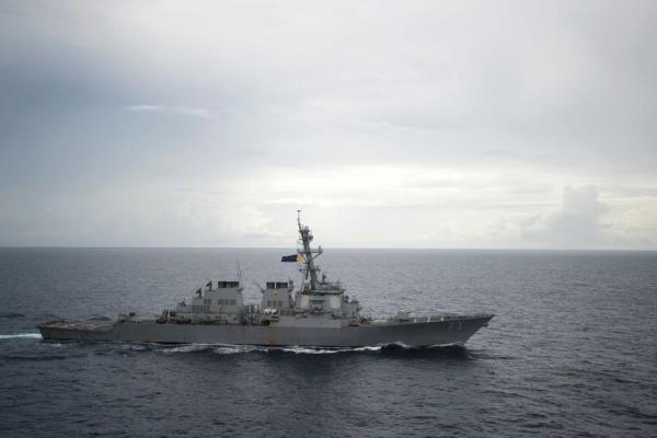 美第三舰队插手南海 中国军方消息人士:多来几艘船当训练的靶标而已