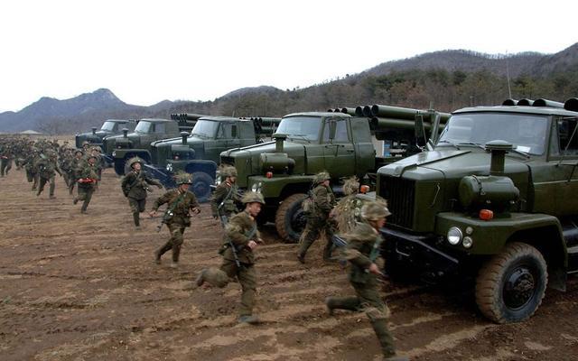 朝鲜称将超强硬应对美韩军演 武装力量保持临战状态