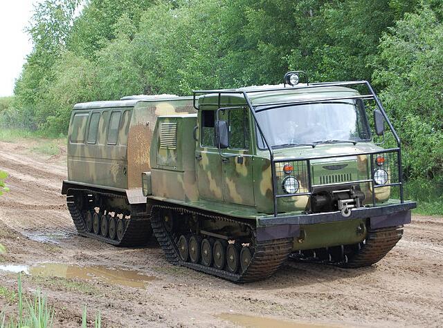 资料图:gaz-3344履带铰接式全地形车