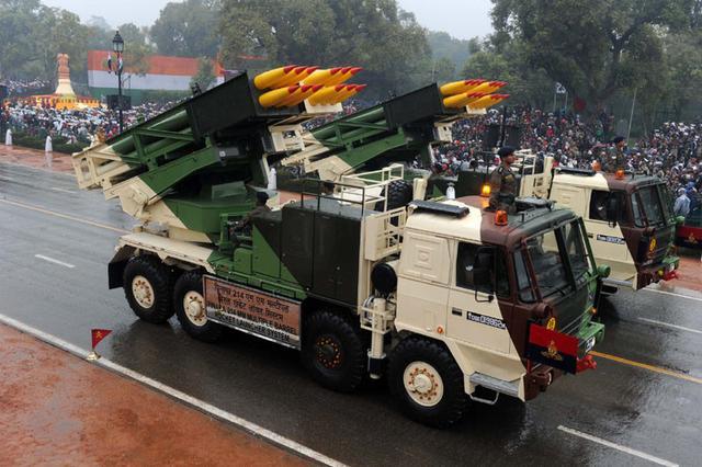 印度坚持订购国产火箭炮 但射程仅为中国1/10