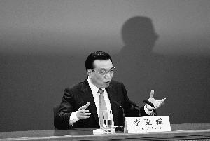 """李克强回应环保问题:环保法不是""""棉花棒"""""""