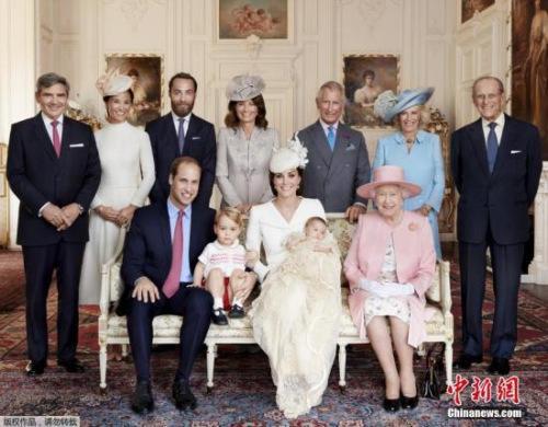 夏洛特公主迎一周岁生日 英王室公布小公主萌照