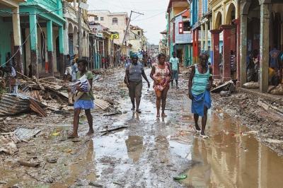 飓风已致海地超877人遇难 肯尼迪航天中心屋顶被掀