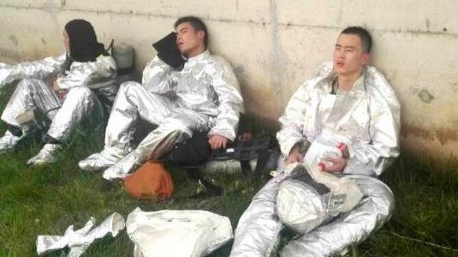 江苏泰州大火 26岁消防员为救队友牺牲