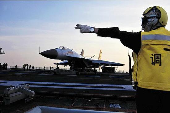 美媒称辽宁舰不可能具备实战能力 被我军用行动打脸