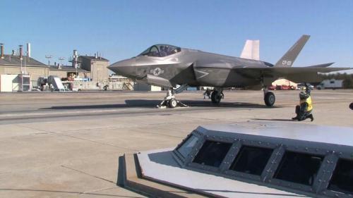 美海军F-35C战机今秋将首次在航母上起降