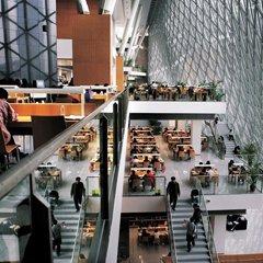 2006年,深圳中心区图书馆向市民开放