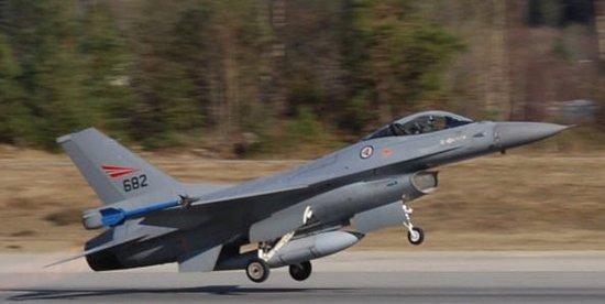 挪威撤回参与空袭利比亚军机 退出对利行动