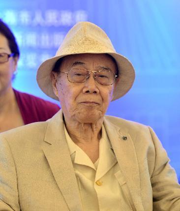 《我的七爸周恩来》作者周恩来总理的侄子周尔鎏。 新华社图